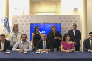 Solá dejó el massismo y lanzó nuevo bloque con Facundo Moyano