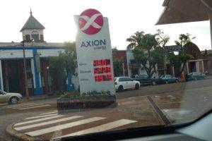El dólar baja, pero en Misiones el litro de nafta ya supera los 50 pesos