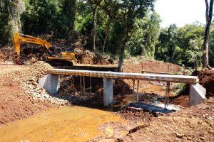 Nueva pasarela sobre el arroyo «Pintadito» en San Vicente