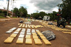 Incautan 4 toneladas de marihuana en un camión en Hipolito Yrigoyen