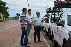 Losada entregó ocho camionetas para optimizar el servicio de limpieza y mantenimiento de la ciudad