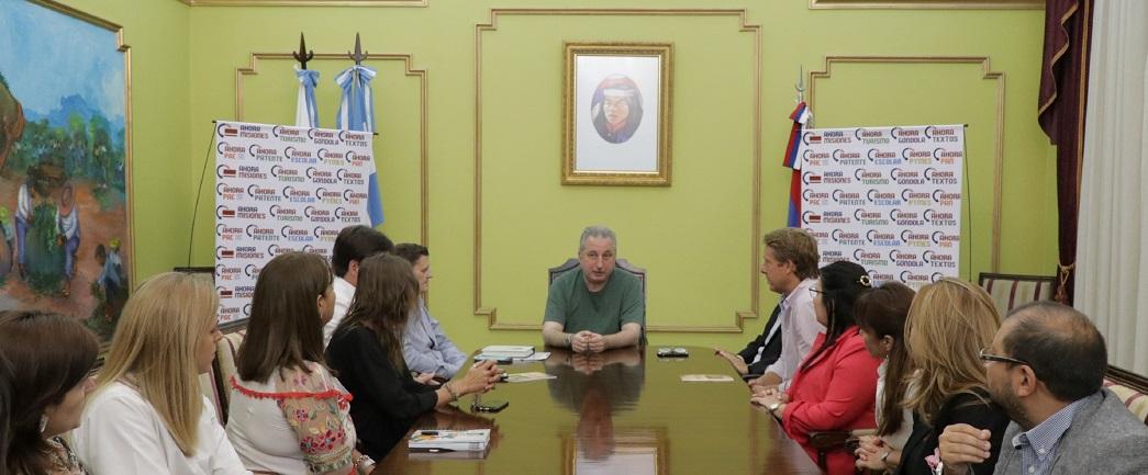 """Passalacqua presentó """"Ahora Bebé, programa que incluye a usuarios de tarjeta de débito del Macro y tarjetas sociales provinciales"""