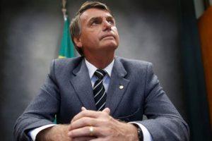 """Bolsonaro prepara decreto para """"facilitar vida"""" de cazadores y coleccionistas"""