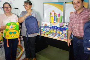 Herrera Ahuad entregó elementos educativos para los hogares de niños