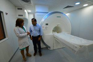 Herrera Ahuad anunció inversiones por 130 millones en equipamiento de salud para el Madariaga