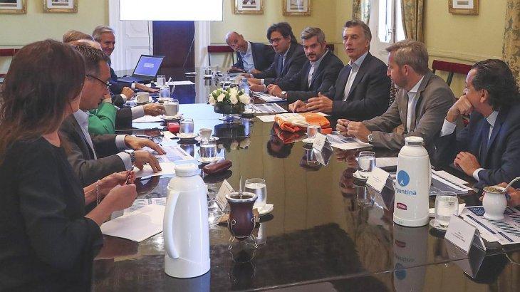 Macri aumentó el presupuesto en $128.000 millones para subsidios y gasto social