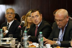 Nación se comprometió a enviar dosis de vacuna antigripal en la primera quincena de abril