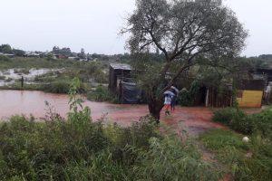 En tres horas llovió lo que debe llover en todo el mes y decenas de barrios fueron anegados