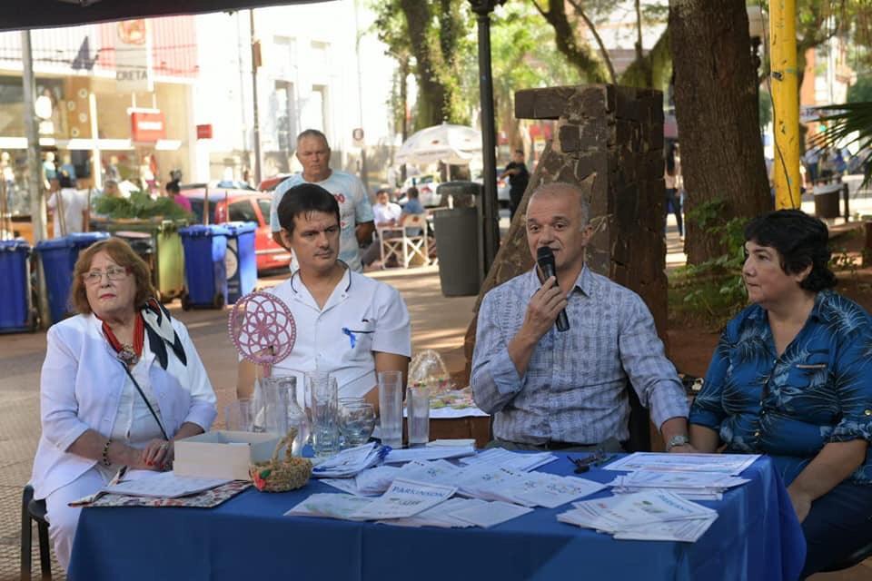 Arce encabezó las actividades por el día mundial del Parkinson