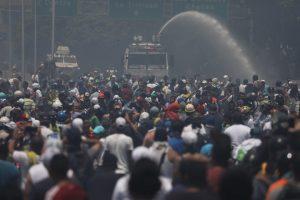 Venezuela: tras las protestas USA dice que Maduro resiste por pedido ruso y el grupo Lima coordina apoyo a Guaido