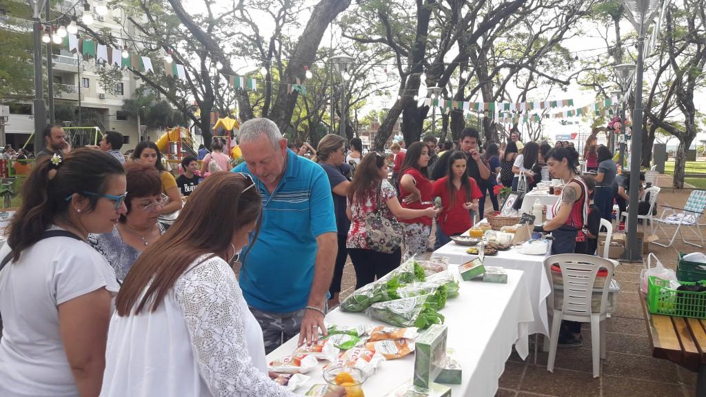 Gran respuesta de las familias a la feria de Alimentación Consciente y Saludable