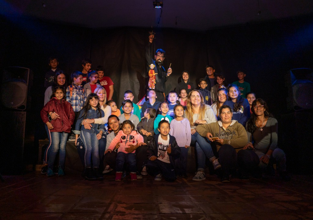 Más de 2000 niños y niñas de los barrios de Posadas disfrutaron de funciones gratuitas del festival Kruvikas