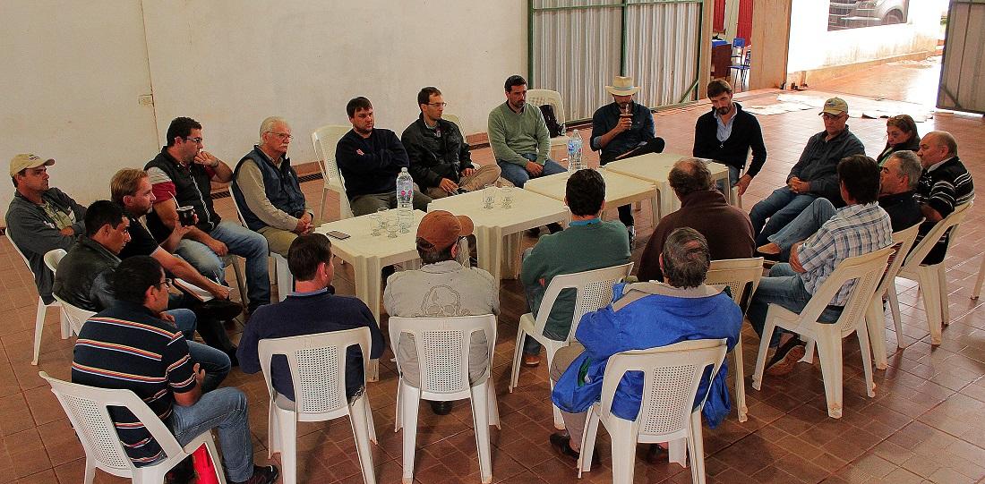 Acuerdan agenda de trabajo entre la Asociación Ganadera de Andresito y la Subsecretaría de Planificación del Agro