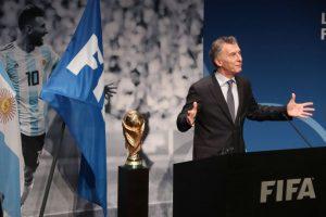 La FIFA le dio un premio a Macri en la primera vez que distingue al Presidente de un país