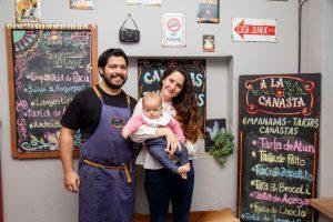 Gonzalo y Yohana, la pareja que creó «A la Canasta», emprendió con éxito y formó familia al mismo tiempo