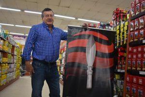 Cáceres, de 71 años, arrancó de chico en el almacén de su padre.