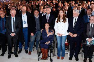 Macri: «Seguiremos buscando que sean juzgados en Argentina» los acusados por AMIA
