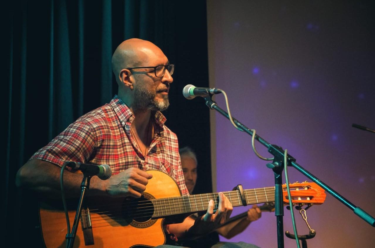 Osvaldo de la Fuente en el Ciclo de Músicos Regionales