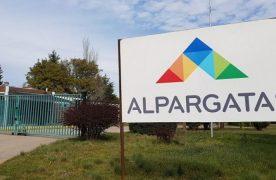 Otra empresa que no resiste la crisis: Alpargatas vendió sus plantas de Corrientes y Chaco