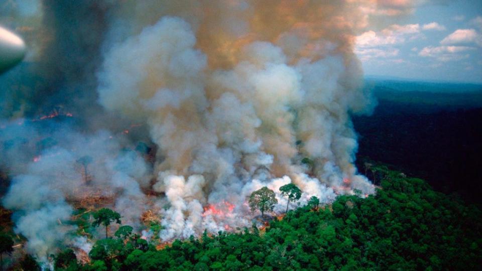 Irlanda se suma a Francia y retira apoyo al acuerdo UE-Mercosur por la inacción de Bolsonaro para apagar el incendio en Amazonas