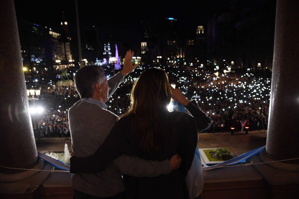 Masiva marcha en apoyo al gobierno de Macri