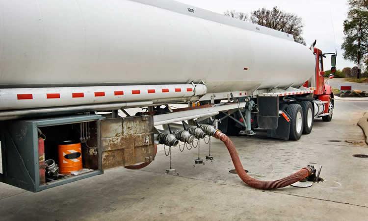 El mercado mayorista aumentó 20 por ciento el precio de los combustibles y se espera un traslado a surtidores
