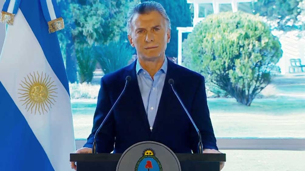 Macri anunció subsidios, cambios en Ganancias y combustibles congelados por 90 días