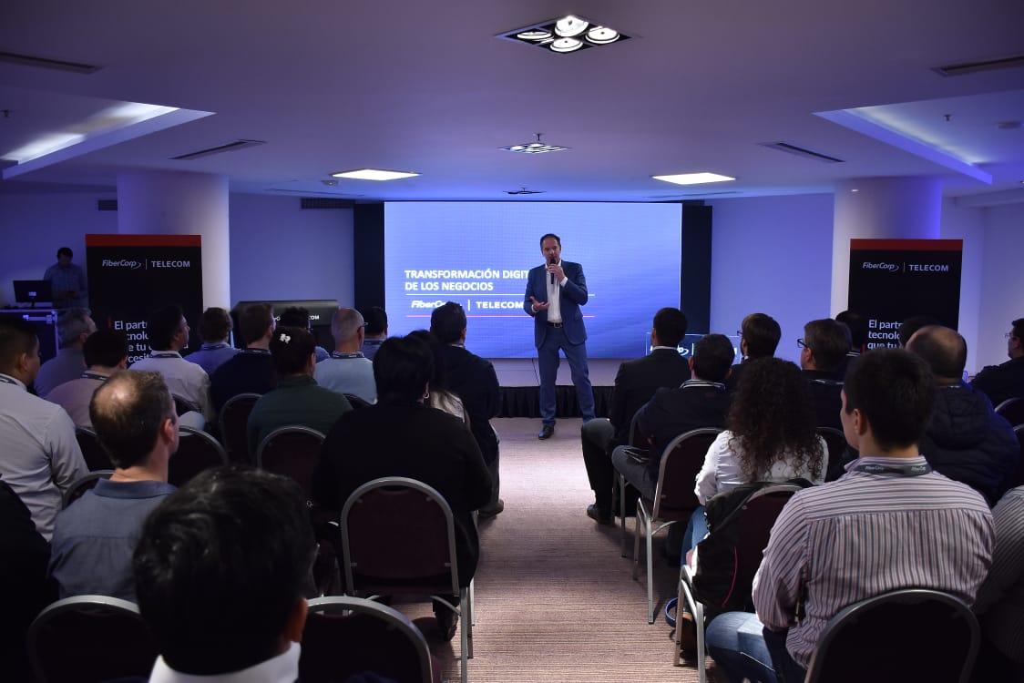 Telecom presentó en Posadas los beneficios de la transformación digital