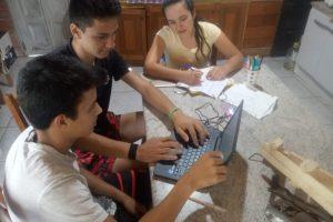 Solidaridad en tiempo de coronavirus: estudiantes de El Soberbio construyen un respirador mecánico de bajo costo
