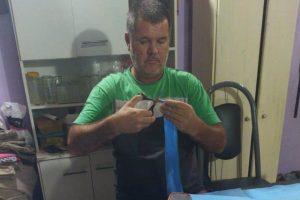 Confecciona barbijos para los trabajadores de Luz y Fuerza y del hospital Madariaga