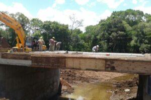 Vialidad asfalta el acceso a Arroyo del Medio