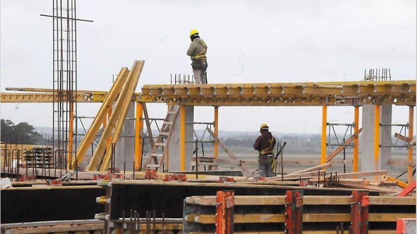 Balance Cambiemos: derrumbe de la construcción privada y de la obra pública
