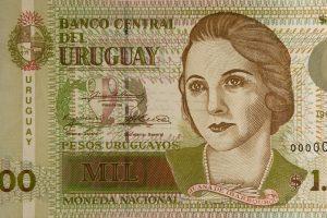 Uruguay emitirá, por primera vez, billetes de plástico
