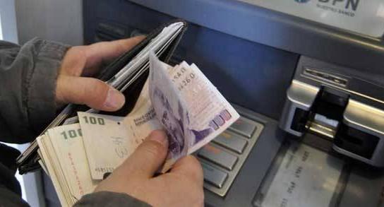 Suspendieron cargos y comisiones para operar a través de cajeros automáticos