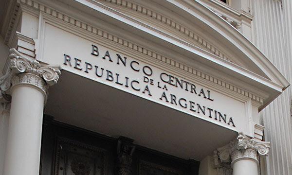 El BCRA operó en futuros para evitar una mayor escalada del dólar