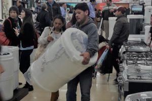 Muchas consultas y tímidas ventas en el primer día de Black Friday en Posadas