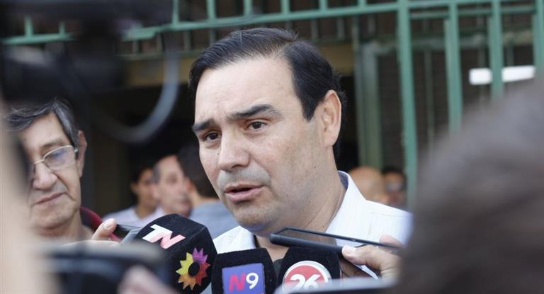 El gobernador de Corrientes viaja mañana a Brasil a visitar una pastera: «Tenemos que industrializar nuestra madera»