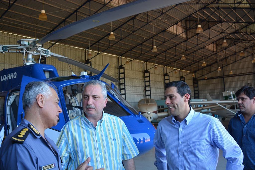Passalacqua, Pérez y Céspedes presentaron el nuevo helicóptero.