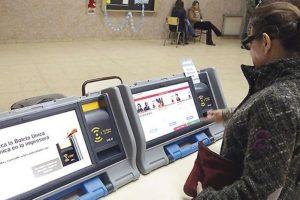 Charla-debate sobre el voto electrónico: desafíos, problemas y soluciones