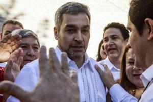 Elecciones en Paraguay: Dicen que los boca de urna dan ventaja a Abdo Benítez sobre Efraín Alegre