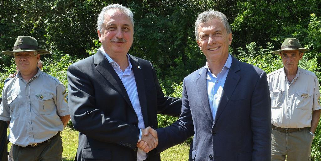 Grandes ganadores, promesa de una revolución turística y asimetrías invisibles: lo que deja la visita de Macri a Misiones
