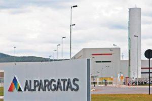 Crisis en Alpargatas: Suspenden a 1820 empleados en dos provincias