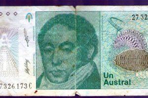 ¿Te acordás del Austral? ¿Y el «marrón»? Una escuela de Posadas organiza una exposición de billetes antiguos este miércoles