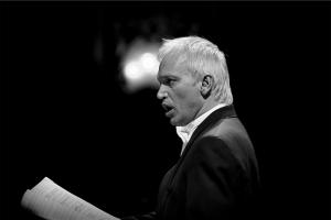 Carlos Ullán: «La pasión por el canto genera una explosión, y hay que encausarla»