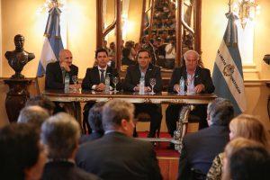 Industrias sin chimeneas y un llamado a inversores correntinos a apostar por Iberá