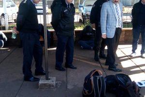 Robo en Ivess: La Policía recuperó 95.220 pesos y secuestró además 3 armas de fuego que estaba en poder de la banda capturada
