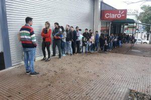 Cientos de jóvenes en puja por un puesto en la Capital del Trabajo