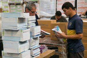 Leo, luego aprendo: llegan más de 160.000 libros de texto a las escuelas de Misiones