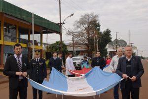 Con danzas, desfile y chocolate celebraron los 202 Aniversario de la Independencia en Campo Viera