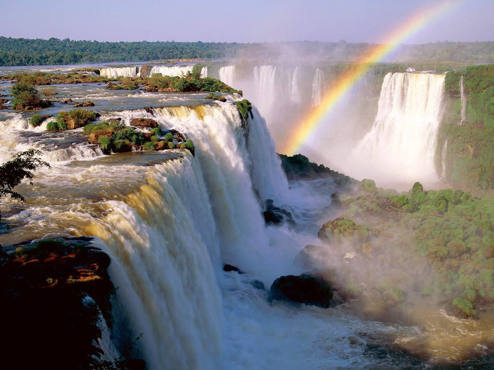 Iguazú entre las atracciones turísticas más elegidas por los argentinos, según Booking